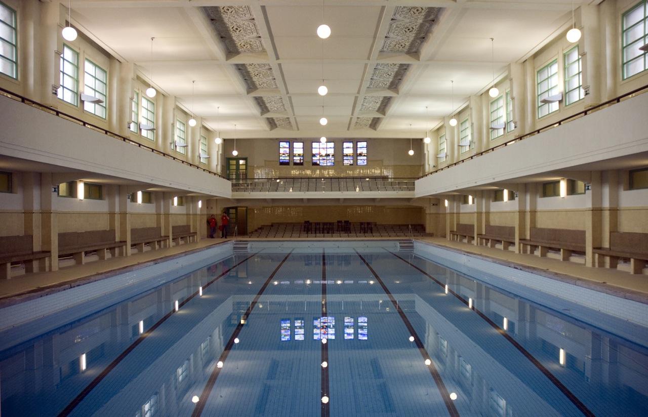 Zwembad de veldstraat antwerpen stagobel for Zwembad belgie