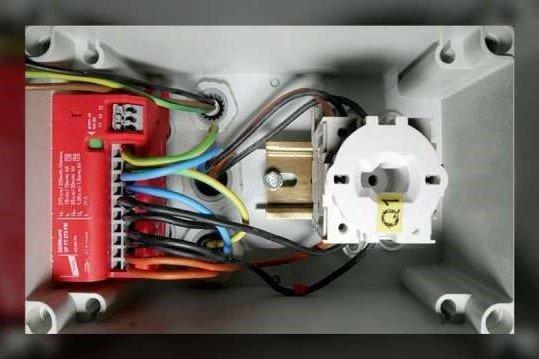 DEHNcord 3P beveiligt laadstations