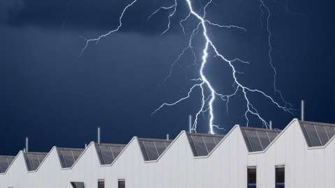 Overspanningsbeveiliging voor industriegebouwen